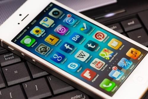 apacheleads-smartphone